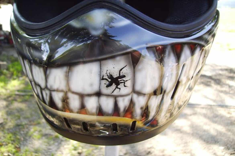 zaehne lackiert motorrad helm